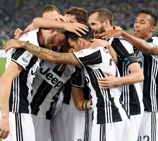 Juventus, via alla missione triplete