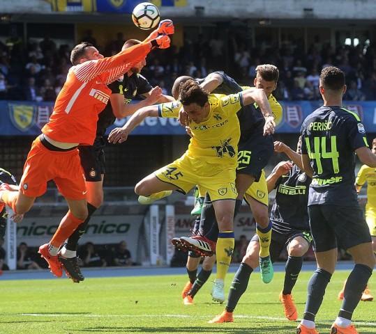 Inter trasformista, vittoria da grande: 1-2 sul Chievo e il sogno continua